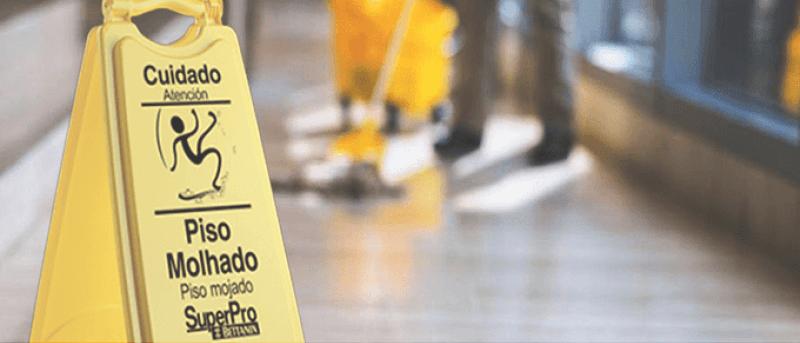Piso Escorregadio Segurança do Trabalho